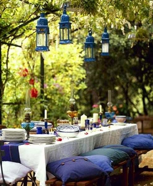 Table Centerpieces For Backyard Party : Outdoor Furniture for Dining Area, 20 Beautiful Outdoor Decor Ideas