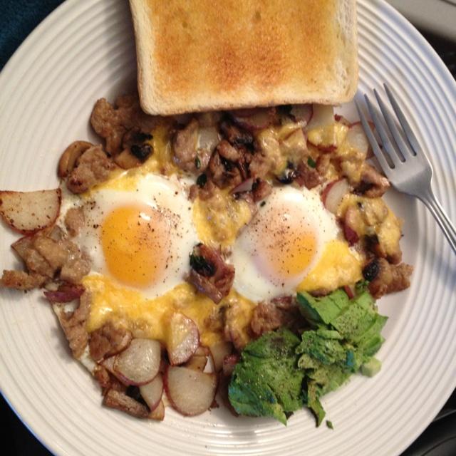 Sautéed mushrooms, red potatoes, garlic, fresh thyme & turkey sausage ...