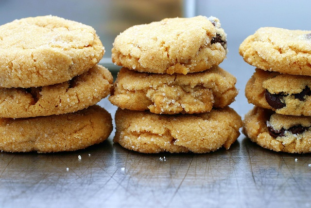 Peanut butter cookies by smitten, adapted from Magnolia Bakery ...