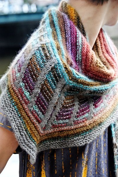Metalouse shawl : Knitty Winter 2012. | Knitting scarves, shawls, cow ...