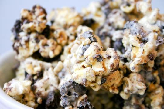 Cookies and Cream Popcorn | Yummies {Popcorn} | Pinterest