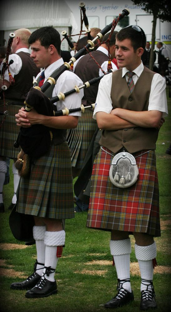 Brothers in kilt