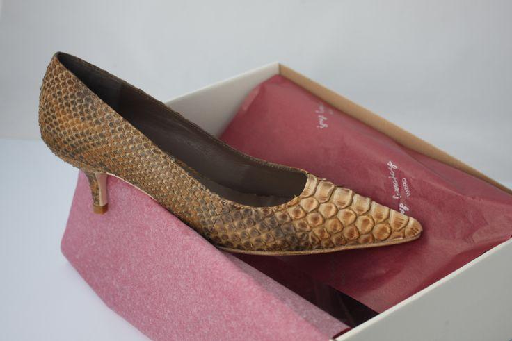 #zapatos #planos en #piel #piton #serpiente #natural #look #lujo #luxury #tacones bajos #estilo #moda