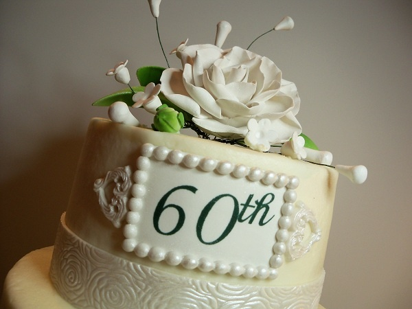 Pin by rosemary galpin on my all occasion cakes pinterest for 60th wedding anniversary decoration ideas
