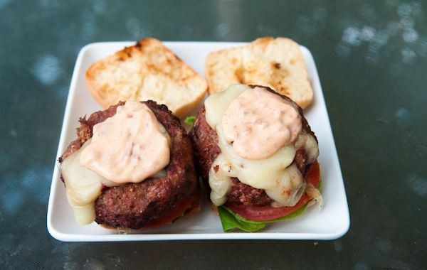 Spicy Pepper Jack stuffed Burgers with Chipolte Lime Mayo. Heaven on a ...