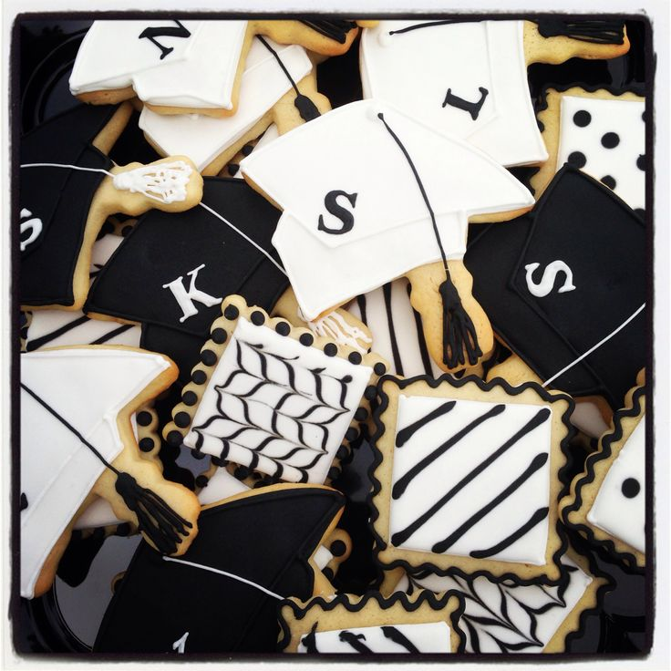 Black and white graduation cookies | Miss Nikki's Cookies | Pinterest