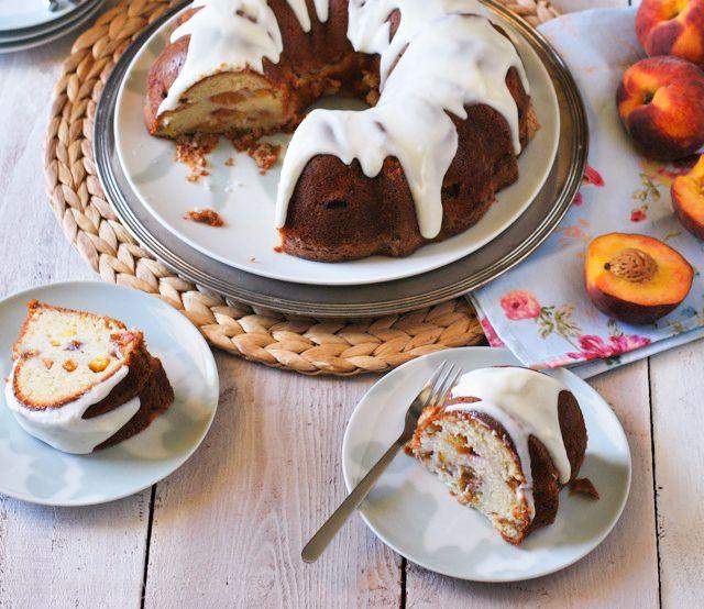 Peaches and Cream Bundt Cake | Betsylife.com