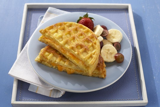 Egg and cheese waffle sandwich | foods | Pinterest