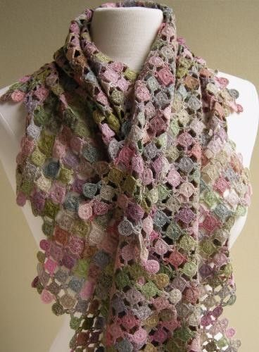 Crochet Patterns Like Sophie Digard : Sophie Digard Scarf - Is it cool or frumpy? I keep going back and ...