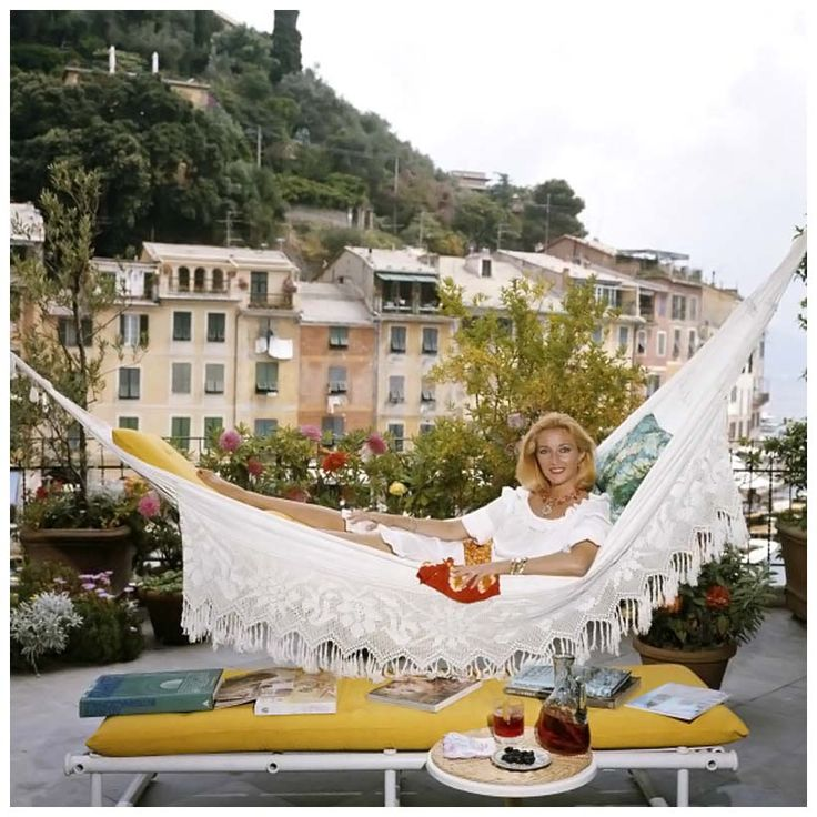 La dolce vita as captured by Slim Aarons.  portofino italy vintage photos - Google Search