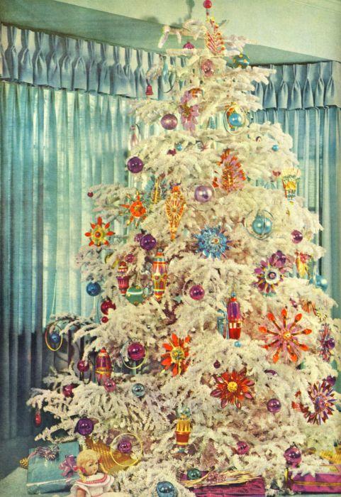 Vintage Christmas Tree Mostly Vintage Holiday Ideas
