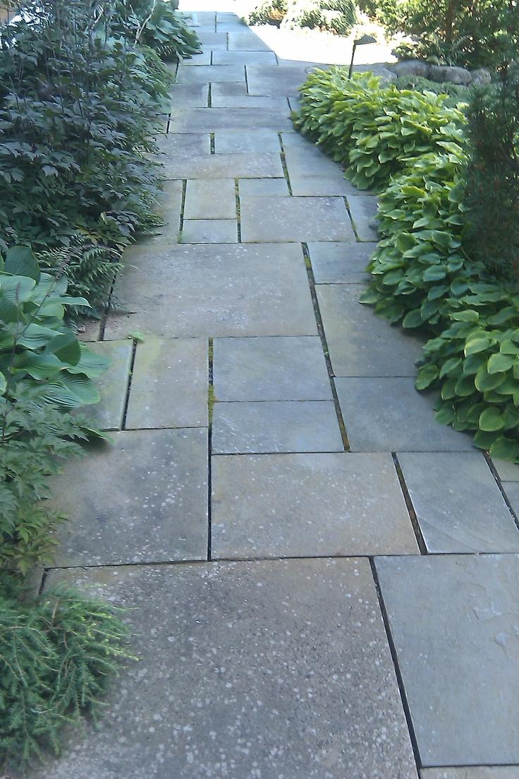 Bluestone path bonnie pinterest for Garden path designs pavers