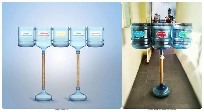 Lixeiras com garrafões de água.