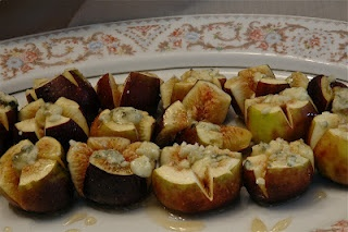 Figs with blue cheese and honey | Food | Pinterest