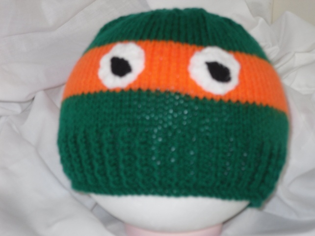 Knitting Pattern Turtle Hat : Knitted Teenage Mutant Ninja Turtle Hat Wol - breien - loom knitting Pint...