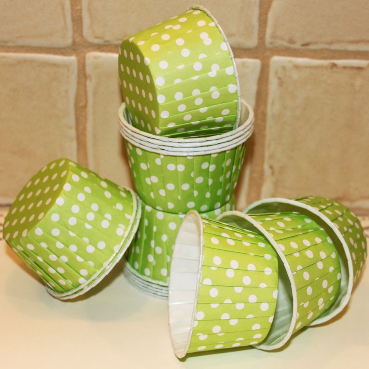 Lime Green Dot Nut Cups, Cupcake Baking Cups or Candy Cups...so sweet..♥