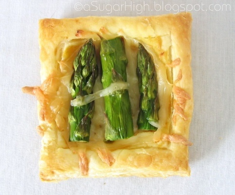 Asparagus and gruyere tarts #recipe #asparagus #appetizer