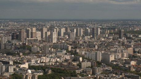 Tegenlicht: De Stad. Hoe ziet stadsplanning in de 21ste eeuw eruit? Wie geeft richting aan de moderne metropool? Van Ikea-dorpen tot stapelsteden.