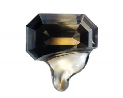 Julia Maria Künnap, Molten, brooch, 2010, Smokey Quartz, gold, 3 x 3.5 x 2.5 cm, private collection in Italy