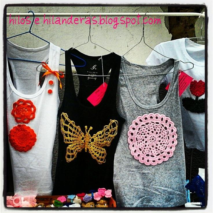 Camisetas con aplicaciones de crochet para aplicaciones for Aplicaciones decoradas