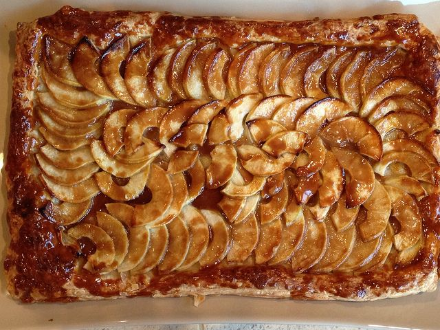apple mosaic tart with salted caramel good apple salted caramel apple ...
