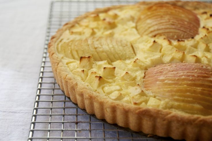 Apple Tart Alsatian Style | {bakebakebake: pies & tarts & crumbles ...