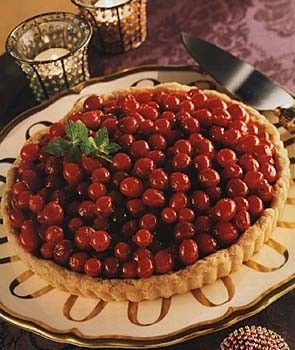 Chocolate tart with candied cranberries | Party Fun | Pinterest