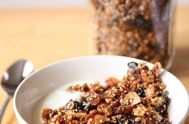 Cherry Almond Chia Granola Recipes | mmm mmm good | Pinterest