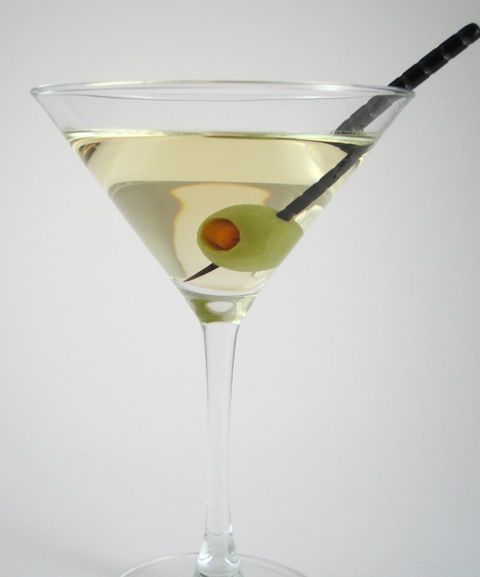 1. MARTINI The martini is one of the most popular & well-loved traditional drinks of all time! It's the perfect drink to have at happy hour or a relaxing night at home because it doesn't require a lot of time and it's not too complicated. Holding a martini in my hand instantly makes me feel glamorous & I love the olives! Make sure you use a high quality gin to make this elegant drink!