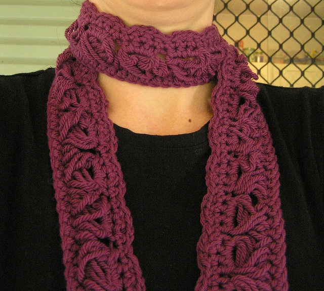Crochet hundred yard dash scarf
