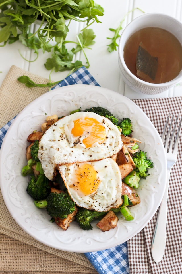 Turkey, Apple and Broccoli Breakfast Hash | The Healthy Foodie