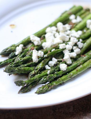 Grilled Asparagus with Rosemary and Goat Cheese
