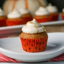 Brown Butter Pumpkin Cupcakes with Salted Caramel Frosting - the ...