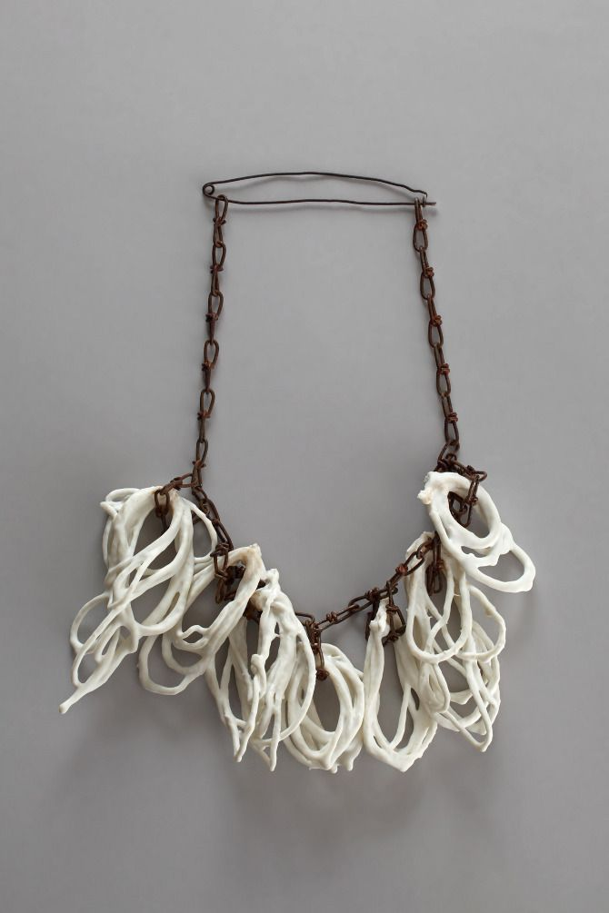 Hildur Ýr Jónsdóttir (I), necklace Knots, 2010, Herend porcelain, rusted iron chain, 310 x 210 x 40 mm -  http://cargocollective.com/hilduryr -  SPLENDID jewels !!
