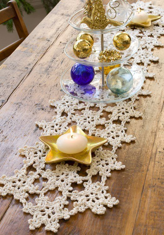 Crocheted Snowflake Table Runner : free pretty pattern designed by Mary Jane