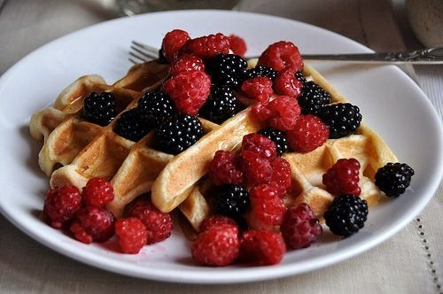 Strawberry waffles | delicious | Pinterest
