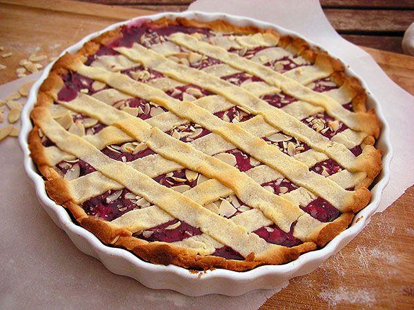 Almond Raspberry Crostata | YUM | Pinterest