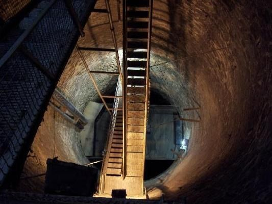 Greensburg (KS) United States  city photos : Greensburg, Kansas The Big Well The United States' largest hand dug ...