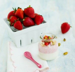 strawberry and vanilla bean panna cotta | yummy desserts | Pinterest