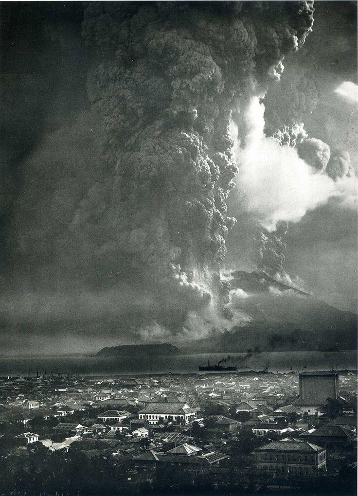 """Sakurajima   桜島 """"Eruption as Seen from Kagoshima,"""" 1914"""