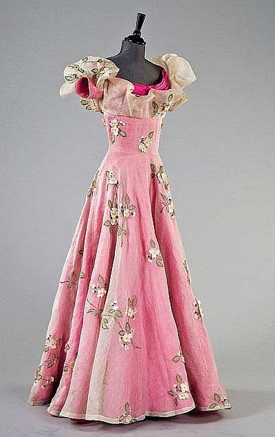 Schiaparelli white organza and shocking pink slubbed silk ball gown, Spring-Summer, 1953