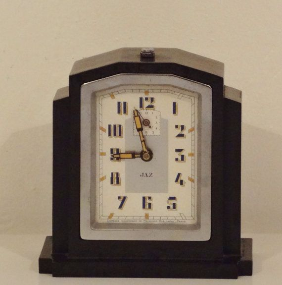Jaz large vintage french art deco bakelite alarm clock in Art deco alarm clocks