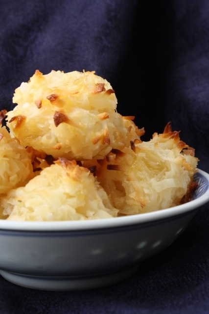 The Traveling Spoon: Pineapple Coconut Macaroons