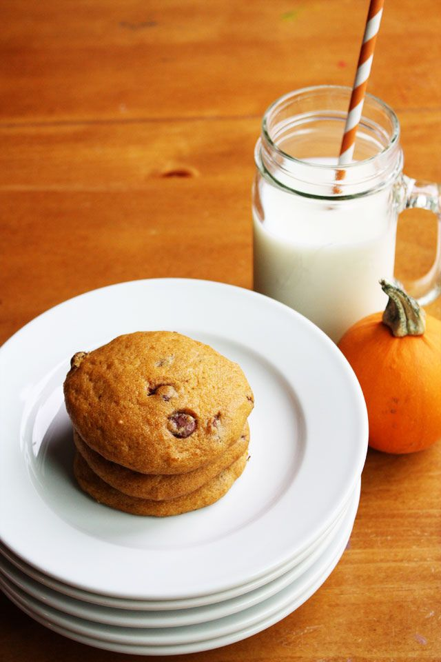 Lulu the Baker: Super-Soft Pumpkin Chocolate Chip Cookies
