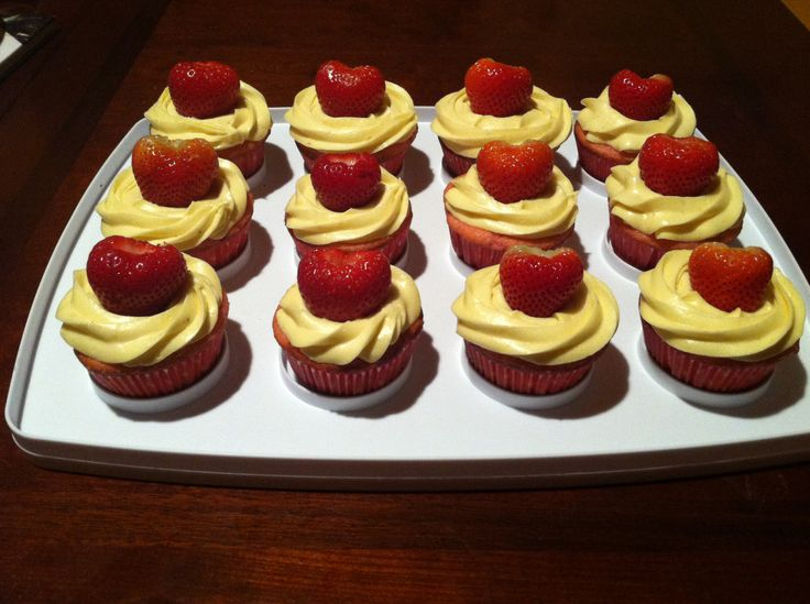 Strawberry Banana Cupcakes | Things I've made | Pinterest