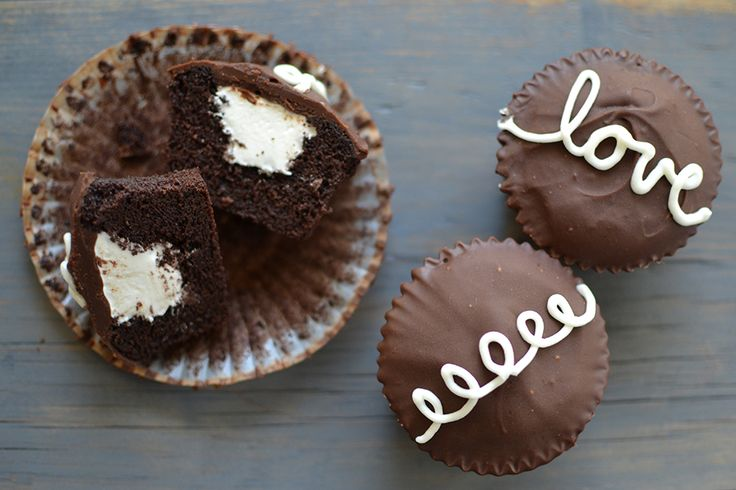 Homemade Hostess Cupcakes. I need to make these again and decorate ...