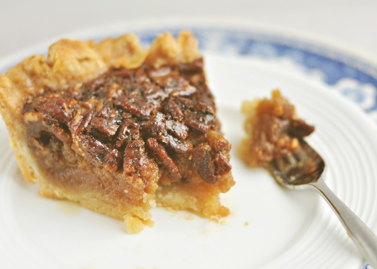 Sweetapolita's Rustic Maple Bourbon Pecan Pie. I have made this and it ...