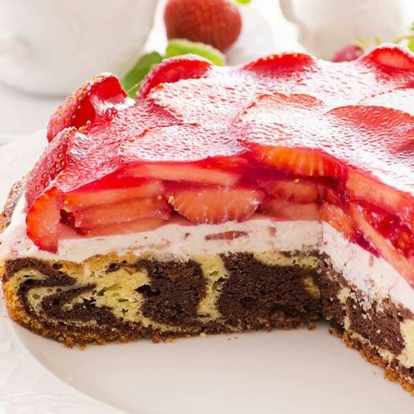 Marble cake with strawberry cream glaze.   Food ♡   Pinterest