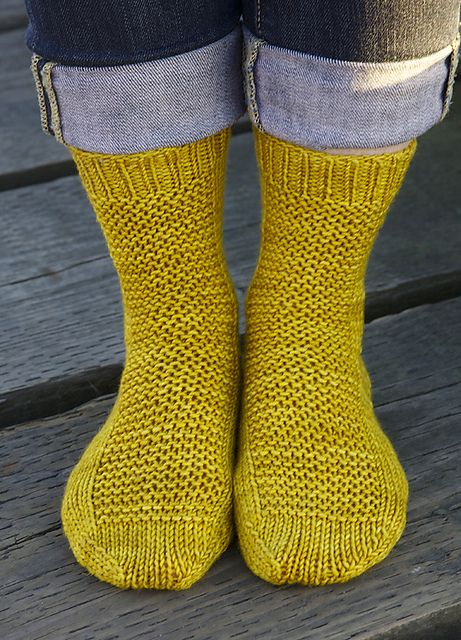 Ravelry: free basic worsted sock pattern in all sizes. Tin Can Knits.