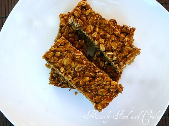 Pumpkin granola bars. Some of us have been needing some quick energy ...